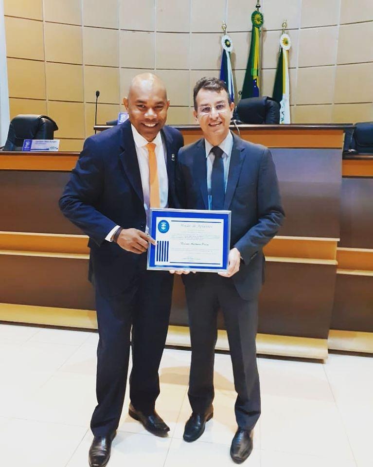 A Câmara Municipal de Primavera do Leste homenageou na sessão ordinária de ontem (11) o prefeito de Poxoréu, Nelson Paim