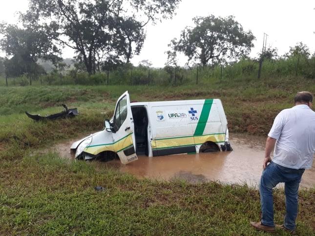 Vereador Luis Costa questiona executivo por não realizar manutenções regulares em ambulâncias